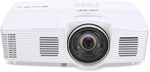 Acer H6517ST Kurzdistanz DLP Projektor (Full HD (1920 x 1080 Pixel) 3000 ANSI Lumen, 10.000:1 Kontrast, 3D, Keystone, 2 Watt Lautsprecher, HDMI (HDCP), Audio Anschluss) Home Cinema